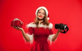 Картинка поза, улыбка, фон, настроение, праздник, шапка, новый год, рождество, макияж, платье, прическа, подарки, снегурочка, мех, …