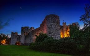 Картинка зелень, небо, трава, деревья, огни, замок, стены, вечер, фонари, Ирландия, Trim castle