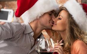 Картинка девушка, праздник, новый год, рождество, бокалы, пара, мужчина, колпак
