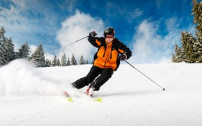 Картинка зима, небо, облака, снег, деревья, природа, спуск, лыжи, палки, гора, скорость, склон, очки, куртка, костюм, …