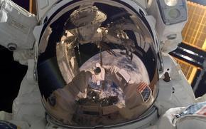 Обои США, Роберт Бенкен, астронавт, НАСА, МКС, отражение