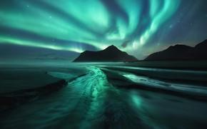 Обои пляж, небо, северное сияние, звезды, горы, ночь, море