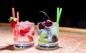 Картинка вишня, ягоды, клубника, виноград, коктейль, стаканы, напитки, трубочки