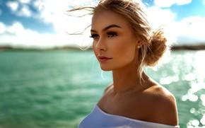 Картинка море, солнце, фон, модель, портрет, макияж, прическа, блондинка, красотка, боке, Miro Hofmann, Henriette