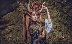Картинка девушка, украшения, поза, стиль, руки, наряд, рога, азиатка, головной убор