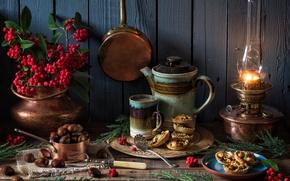Обои Рождество, пирожное, ягоды, лампа, каштаны, кружка, чайник, стиль