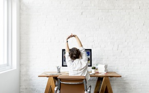 Картинка wall, woman, computer, back, work, elongation, Tired, office work