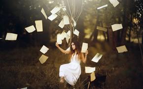 Обои девушка, дерево, прищепки, страницы