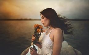 Картинка девушка, цветы, озеро