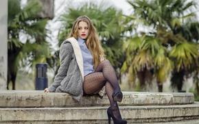 Картинка модель, колготки, рубашка, ножки, пальто, Alejandra Delgado