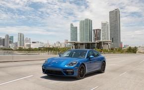 Картинка дорога, авто, синий, город, скорость, Porsche, Panamera, turbo, порше, blue
