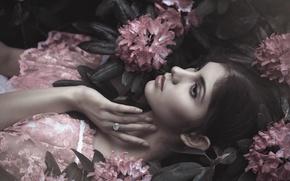Картинка взгляд, девушка, цветы, платье