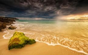 Картинка море, небо, тучи, камни, дождь, побережье, горизонт, Италия, непогода, Sardinia
