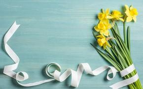 Картинка цветы, фон, букет, лента, flowers, background, нарциссы, bouquet, ribbon, daffodils