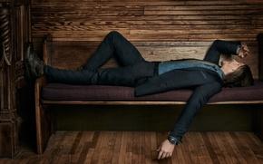 Обои Norman Reedus, костюм, фотосессия, Roger Erickson, ботинки, 2016, отдыхает, пиджак, актер, брюки, Cartier, Норман Ридус, ...