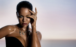 Обои fashion, Rihanna, wet, look, pose, singer