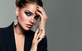 Картинка взгляд, девушка, лицо, волосы, руки, макияж, прическа, сережки
