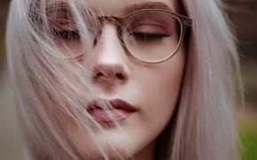 Картинка девушка, крупный план, лицо, портрет, макияж, очки, прическа, блондинка, красивая, боке, закрыла глаза, Sebastian Franke