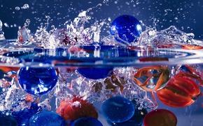 Картинка вода, макро, брызги, стеклянные шарики