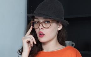 Картинка шляпа, очки, голубоглазая брюнетка, Uliana, алые губы, стильная девушка, Marla O, Ksenia Yankovskaya, маленький рот