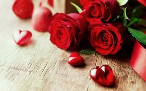Картинка любовь, цветы, розы, букет, сердечки, красные, red, love, wood, flowers, romantic, hearts, Valentine's Day, gift, …