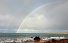 Картинка море, небо, облака, камни, берег, волна, радуга, rainbow, мужчина