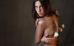 Картинка взгляд, цветы, лицо, поза, стиль, фон, настроение, спина, портрет, руки, Alexander Drobkov-Light, Неля Пирожкова