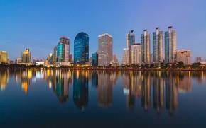 Обои город, здание, отражение