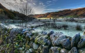 Обои камни, долина, HDR, холмы, Lake District National Park, мох, деревья, Англия, Cumbria, зима, горы, снег, ...