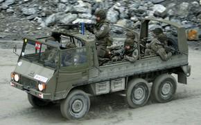 Картинка rock, soldier, military, weapon, armored, machine gun, war material, armored vehicle