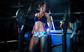 Обои brunette, abs, pose, bodybuilder