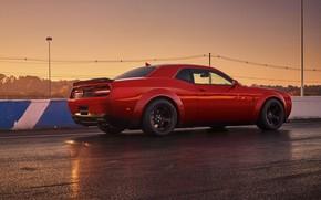 Картинка Challenger, red, sportcar, 2018, musclecar, SRT, Track, Demon, Drag Racing