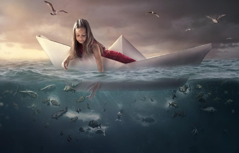 Фото обои море, вода, рыбы, птицы, чайки, девочка, кораблик
