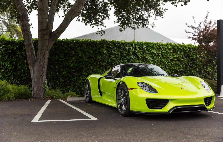 Фото обои Porsche, Green, Spyder, 918, Parking