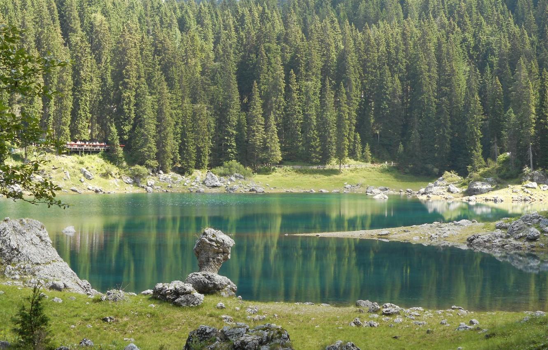 Фото обои Природа, Озеро, Лес, Камни, Ель, Италия, Lake Carezza