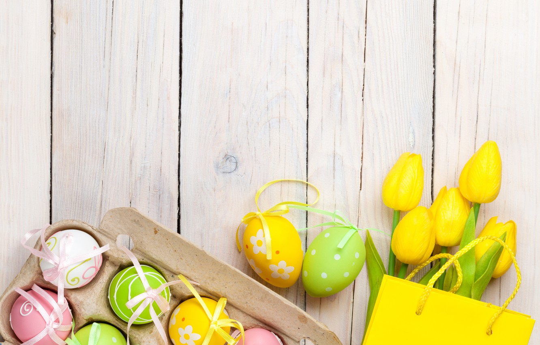 Фото обои Пасха, тюльпаны, yellow, wood, tulips, spring, Easter, eggs, decoration, Happy, tender, яйца крашеные