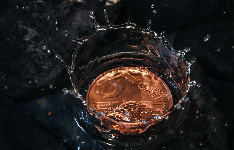 Фото обои вода, всплеск, монета, 5 eurocent, Euro Crisis, 5 евроцентов, five cents
