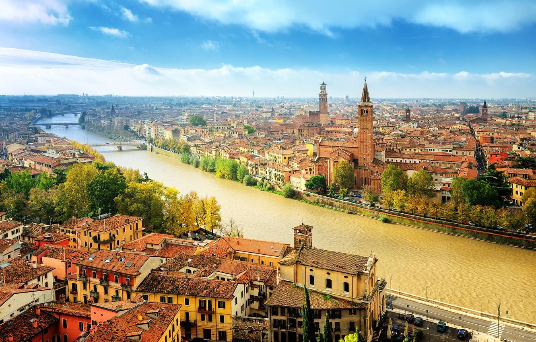 Фото обои осень, небо, солнце, облака, деревья, река, дома, Италия, панорама, мосты, Верона