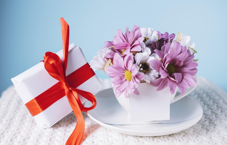 Фото обои цветы, подарок, Праздник, бант, хризантемы, коробочка