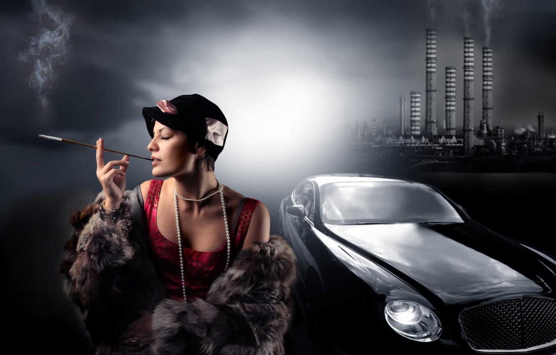 Фото обои машина, трубы, завод, женщина, дым, шляпа, ожерелье, сигарета, жемчуг, шуба, мех