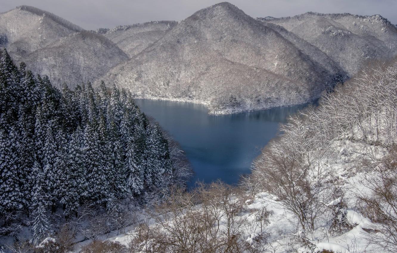 Фото обои зима, снег, деревья, горы, озеро, Япония