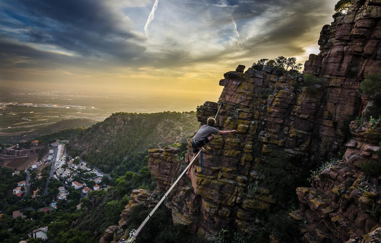 Фото обои City, Sky, Mountains, Extreme