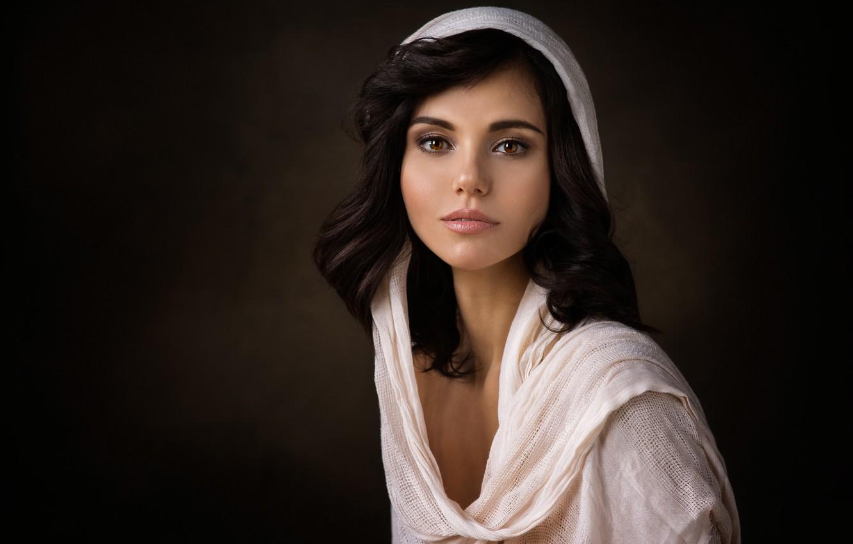 Фото обои глаза, взгляд, девушка, портрет, в белом, накидка, Dennis Drozhzhin, Денис Дрожжин, Ανδρομέδα