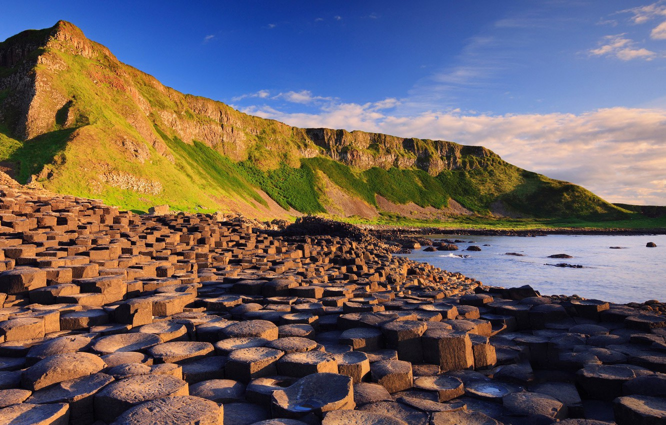 Фото обои sky, sea, landscape, nature, water, mountains, clouds, stones, Ireland, Giant's Causeway, rock formation