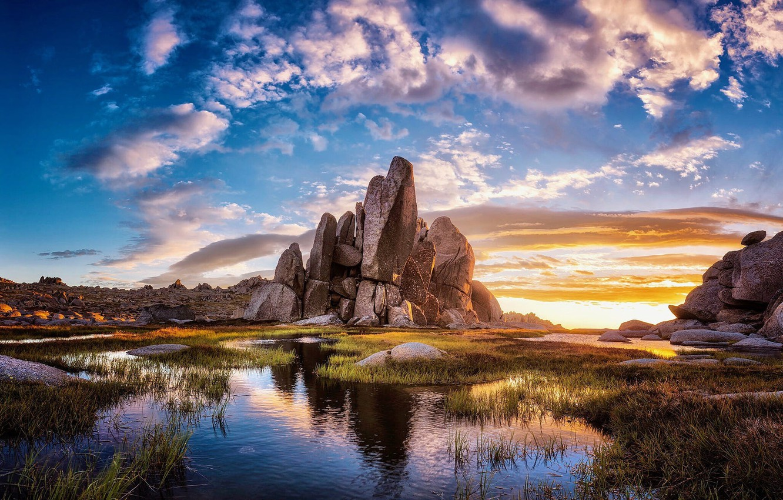 Фото обои небо, озеро, камни, скалы
