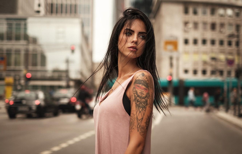 Фото обои city, girl, model, tatoo, hair, look, Martin Kuhn, Marlen Valderrama Alvarez