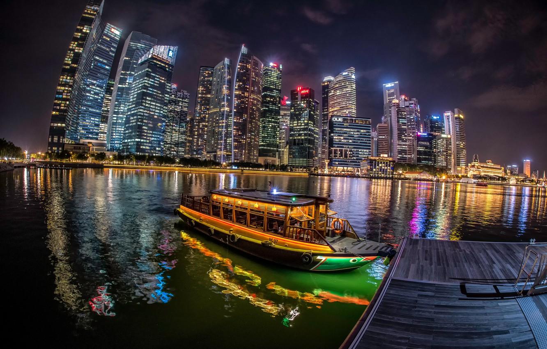 Фото обои река, лодка, здания, пристань, Сингапур, ночной город, небоскрёбы, Singapore, Singapore River, река Сингапур