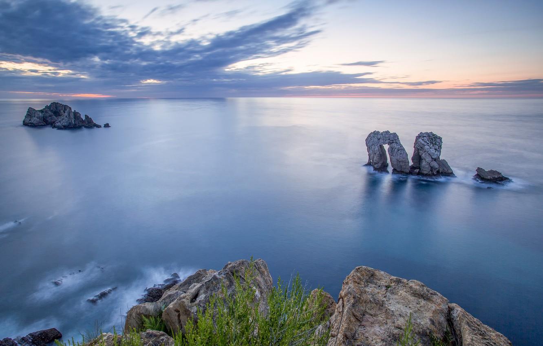 Фото обои море, пляж, облака, природа, камни, травка