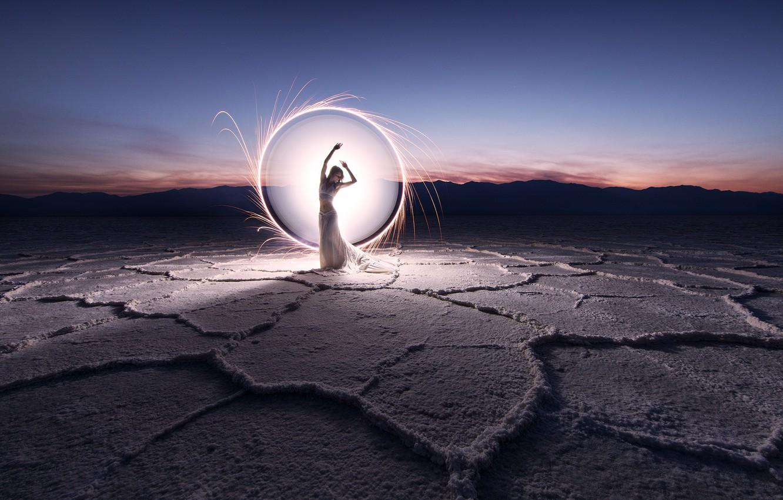 Фото обои девушка, свет, круг