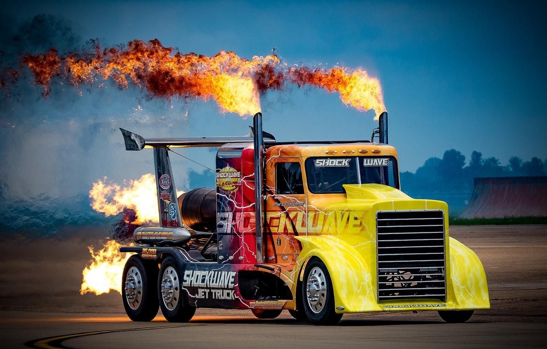 Фото обои огонь, грузовик, Peterbilt, мощный